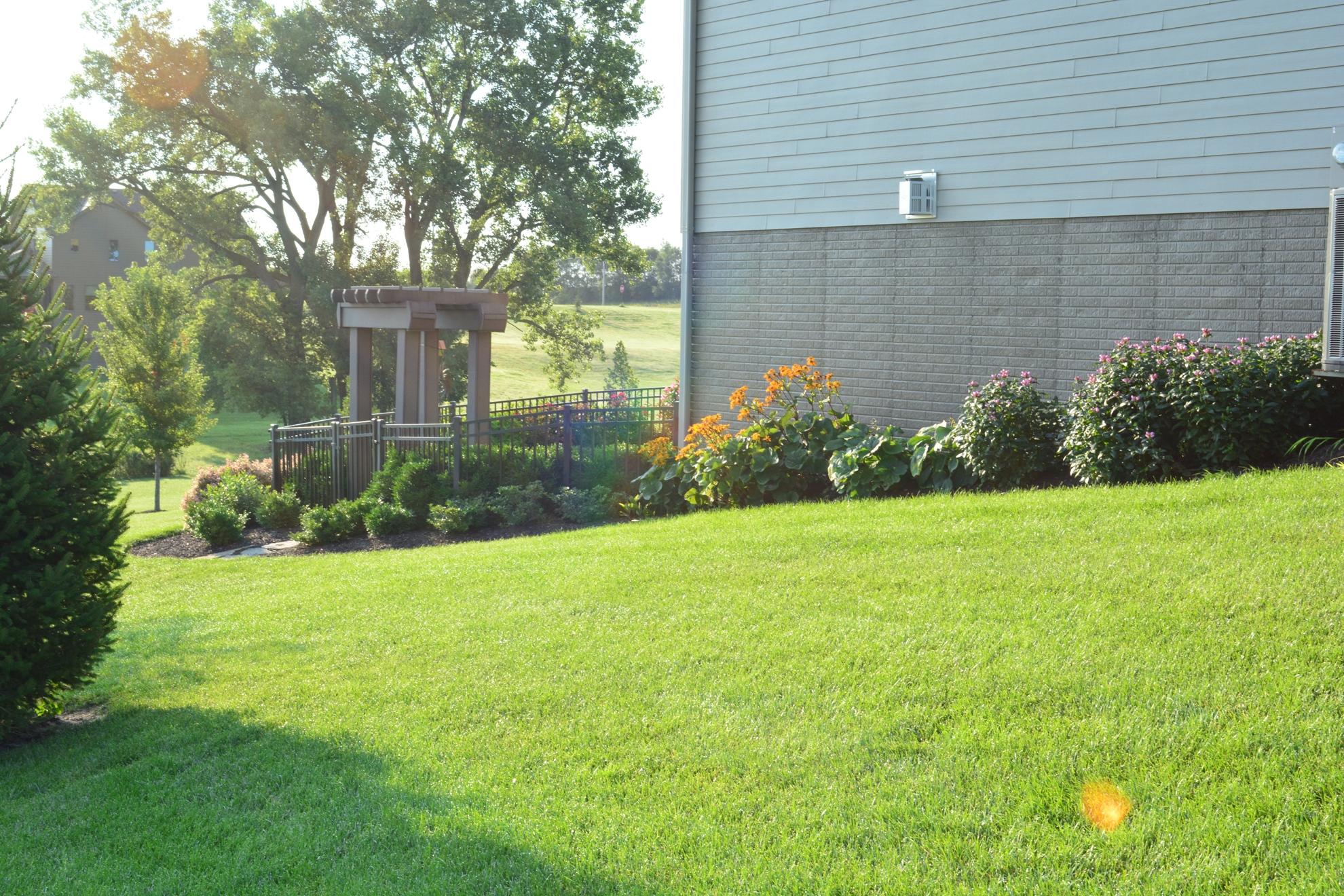 Classic-Outdoor-Courtyard-10
