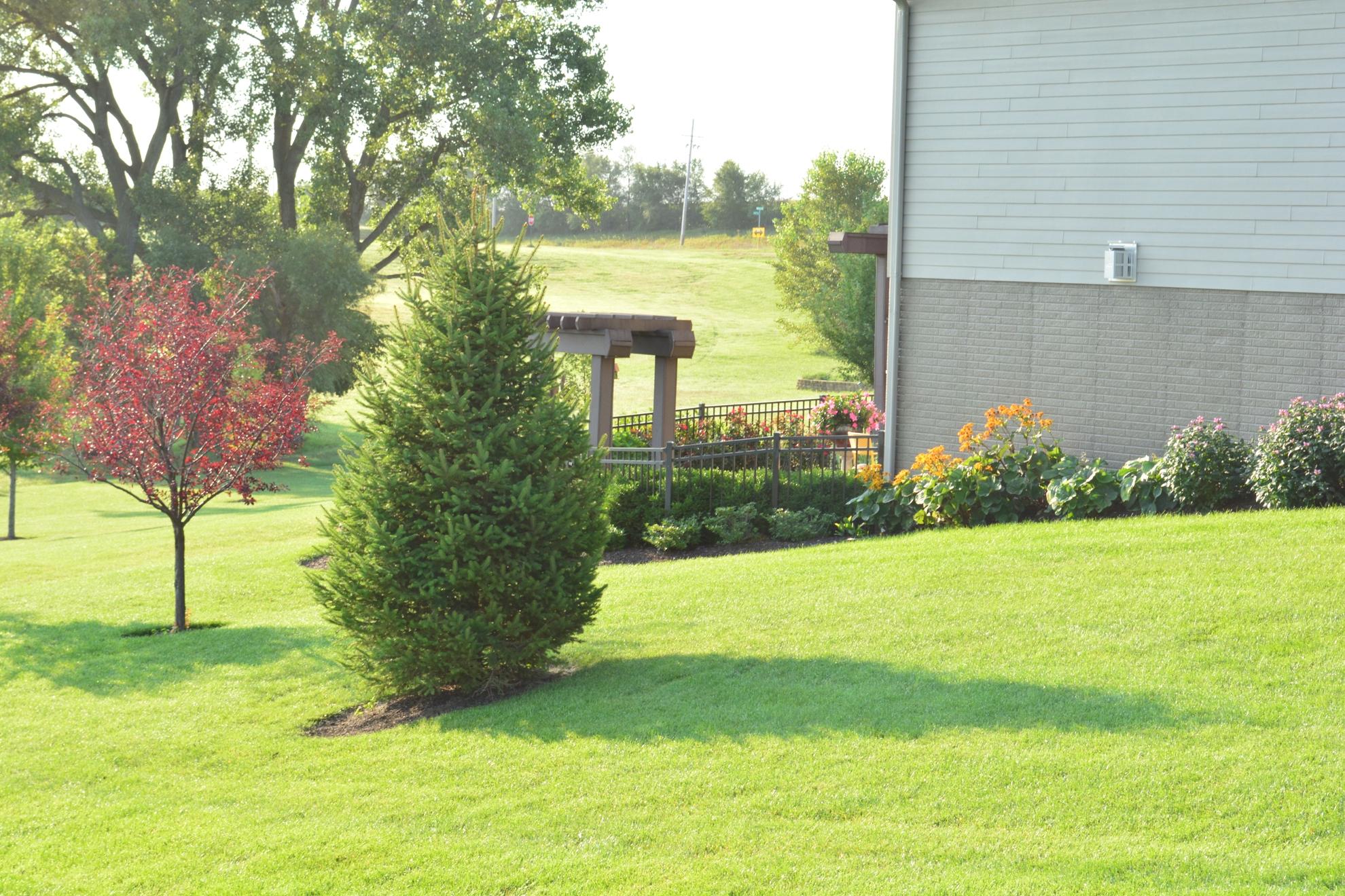 Classic-Outdoor-Courtyard-11
