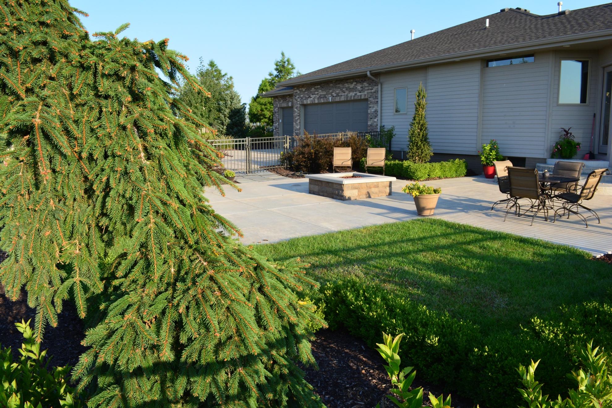 Classic-Outdoor-Courtyard-19