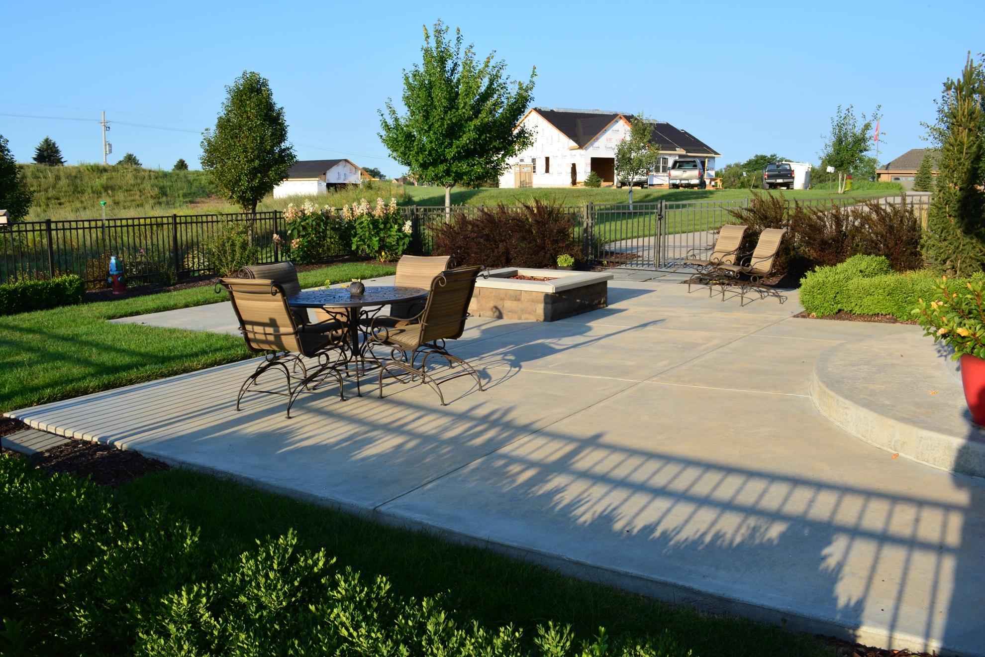 Classic-Outdoor-Courtyard-20