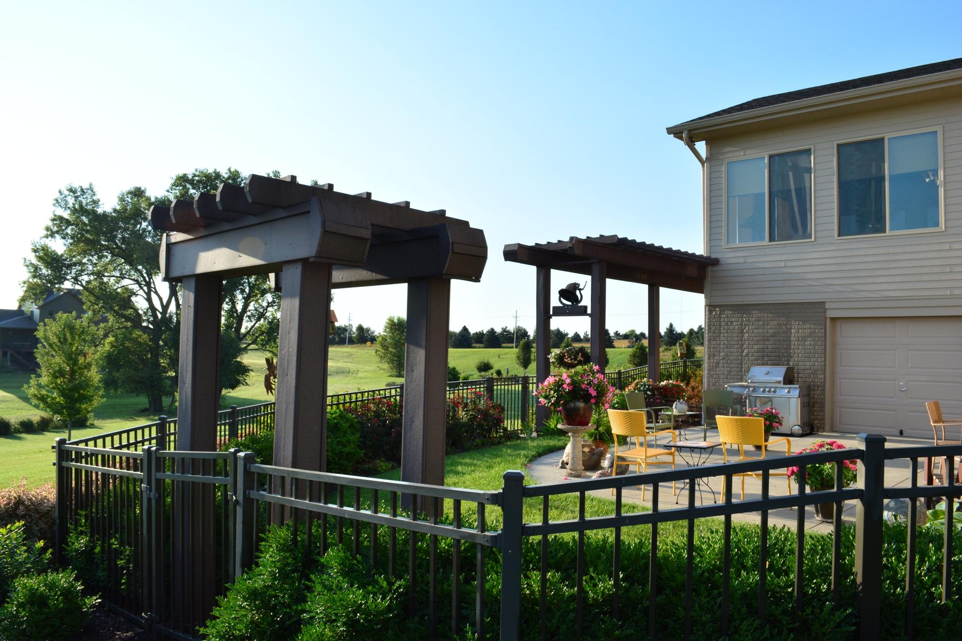 Classic-Outdoor-Courtyard-27