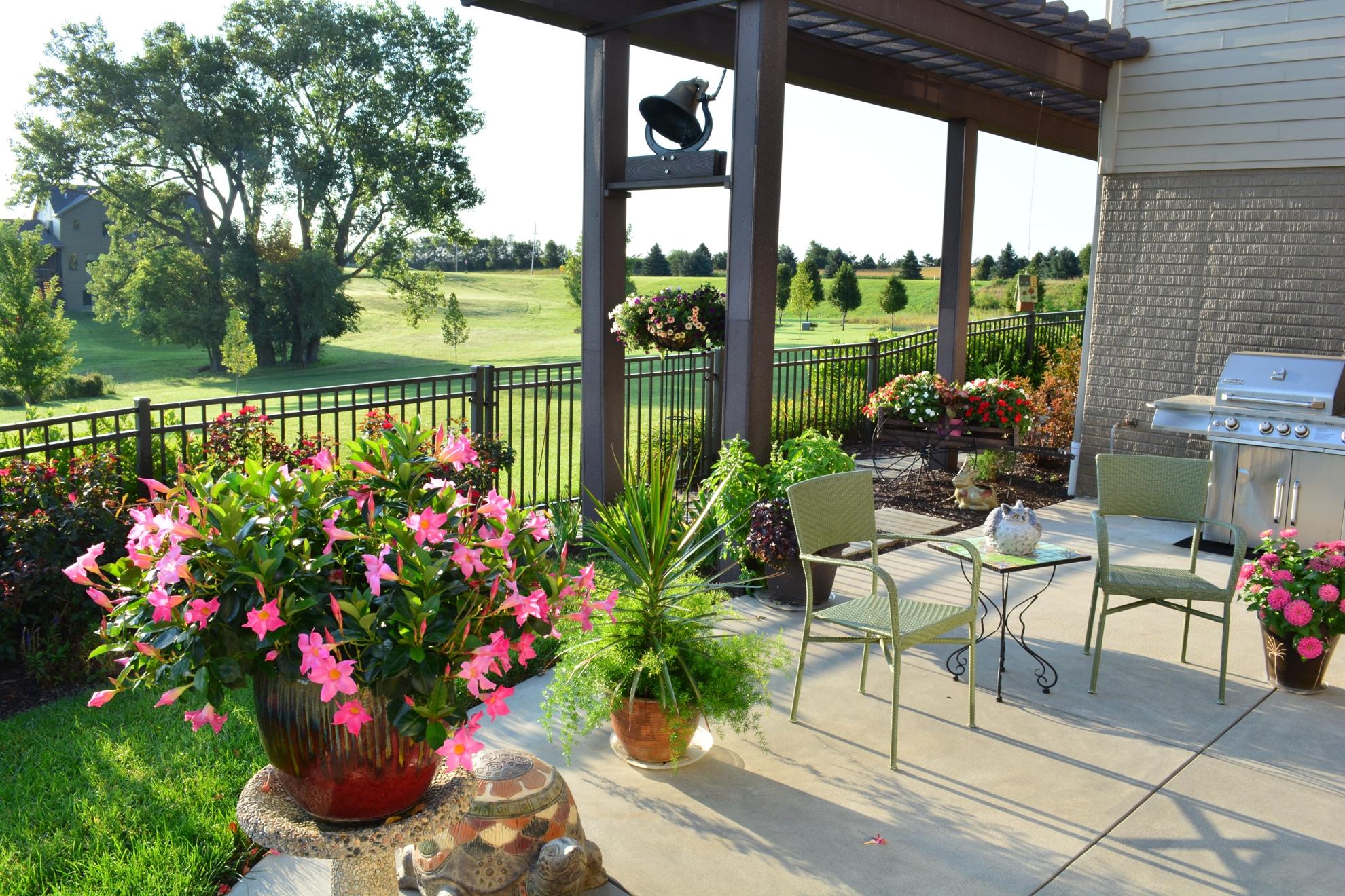 Classic-Outdoor-Courtyard-28