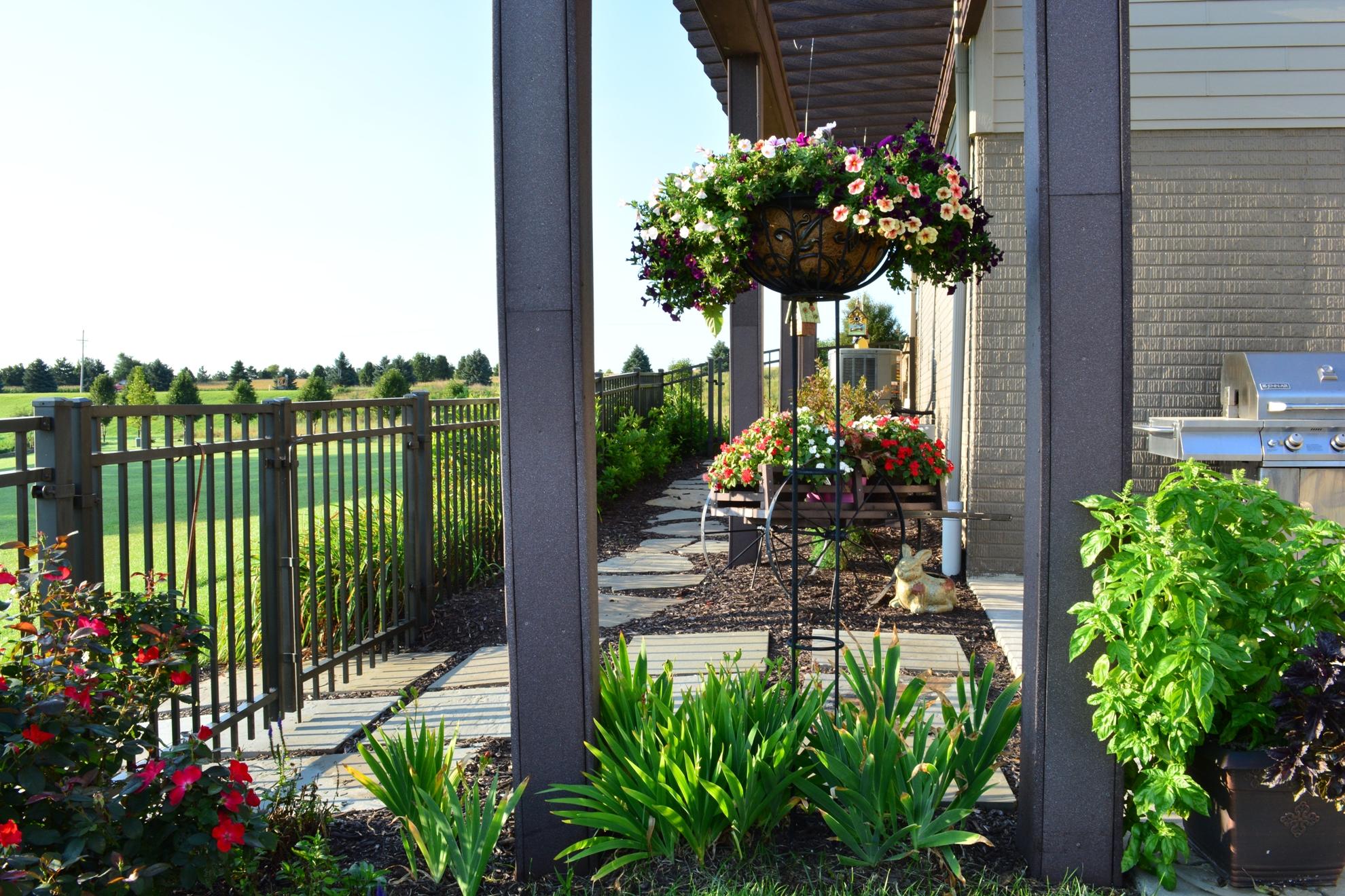 Classic-Outdoor-Courtyard-29