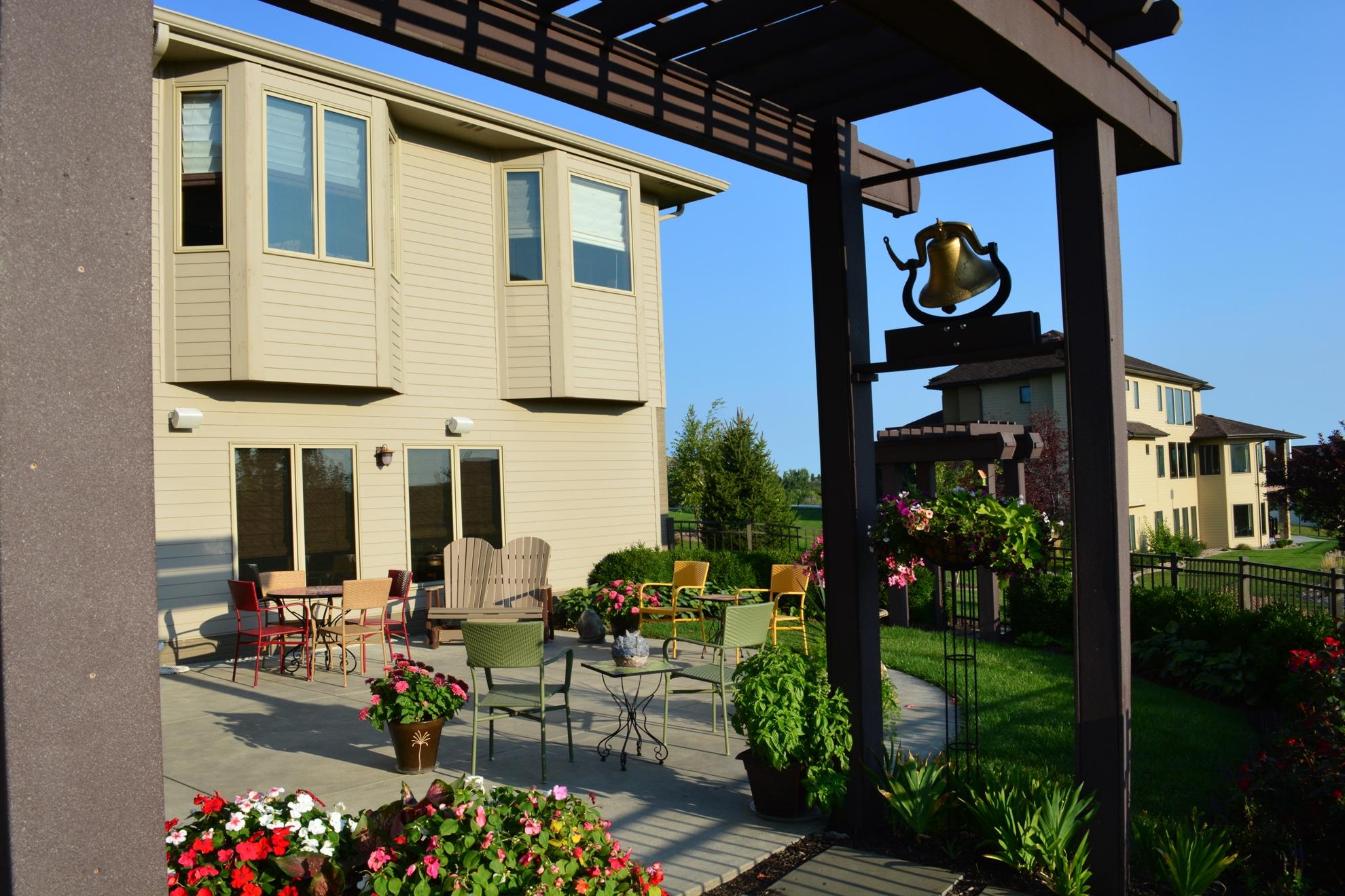 Classic-Outdoor-Courtyard-3