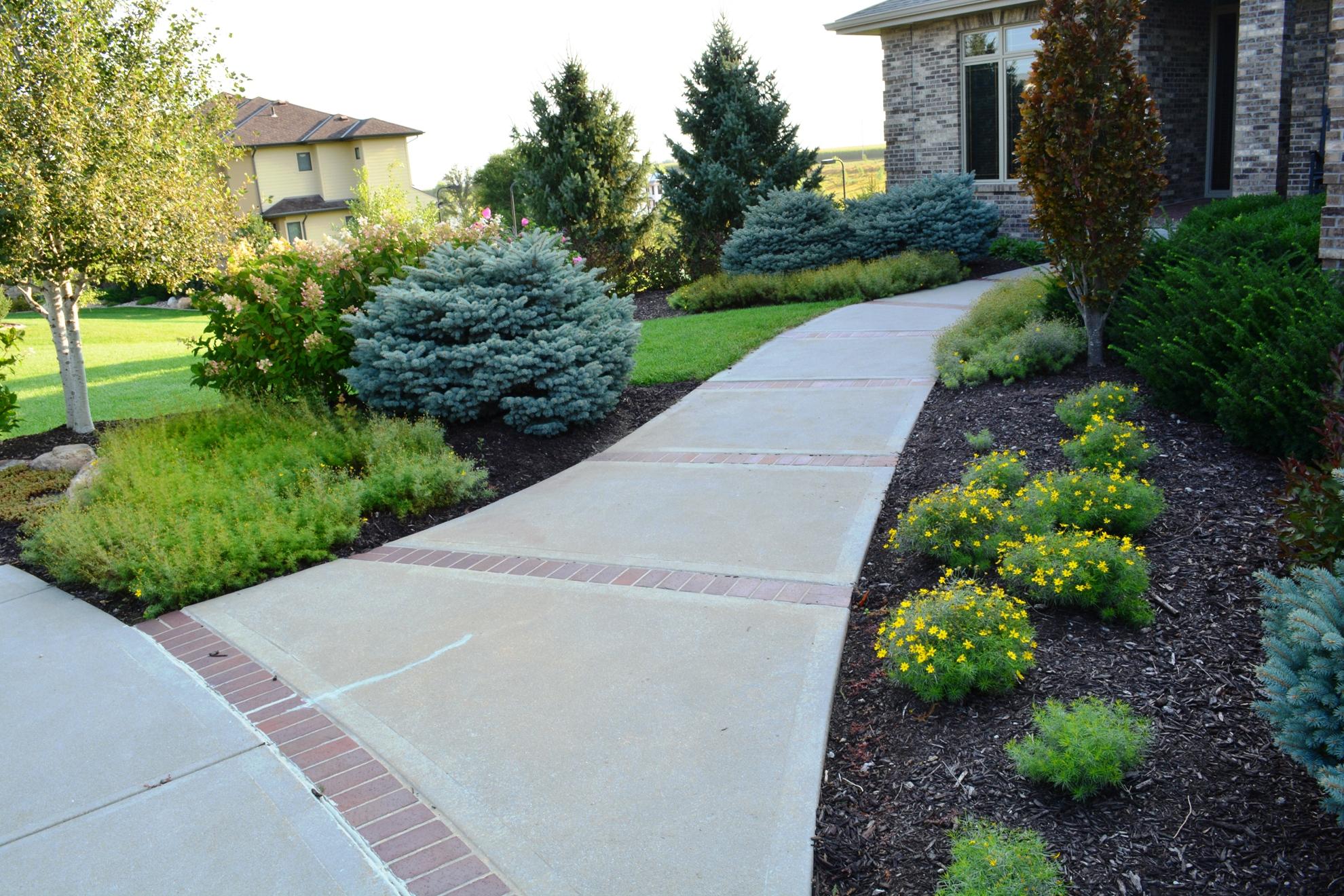 Classic-Outdoor-Courtyard-9