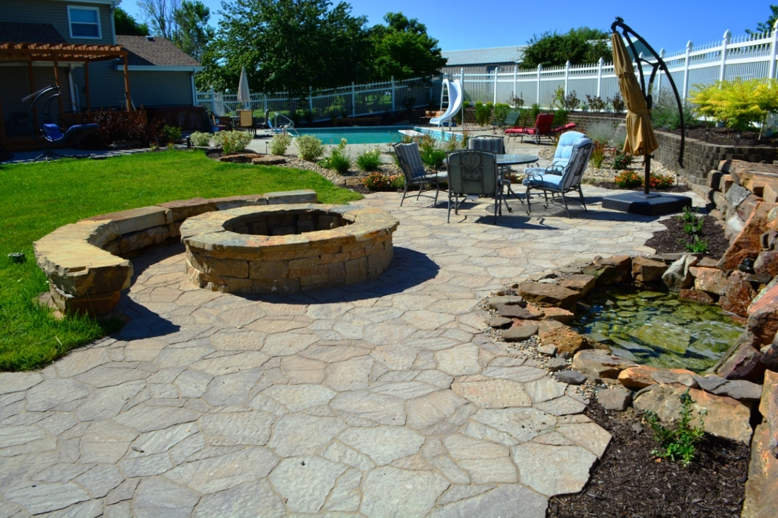 Mega Arbel Paver Patio by Breaking Ground