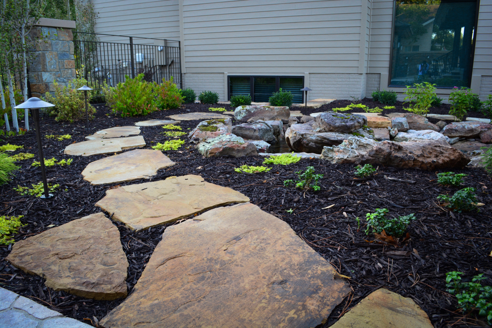 Flagstone-path-water-feature
