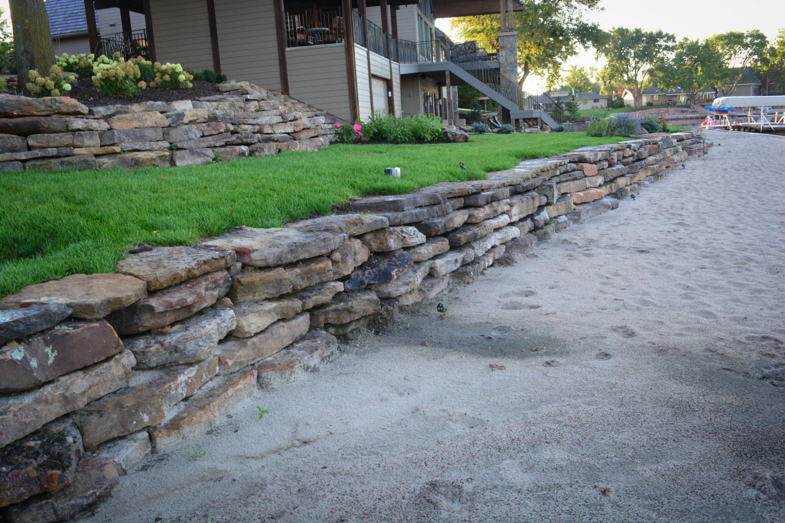 Moss-Rock-full-wall-1