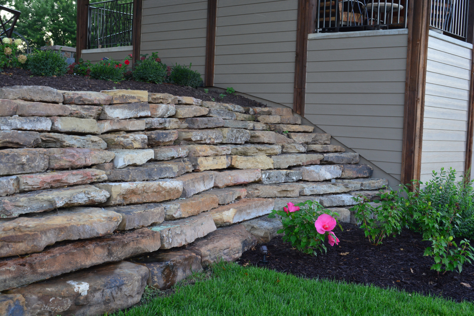 Moss-rock-retaining-wall-3-1