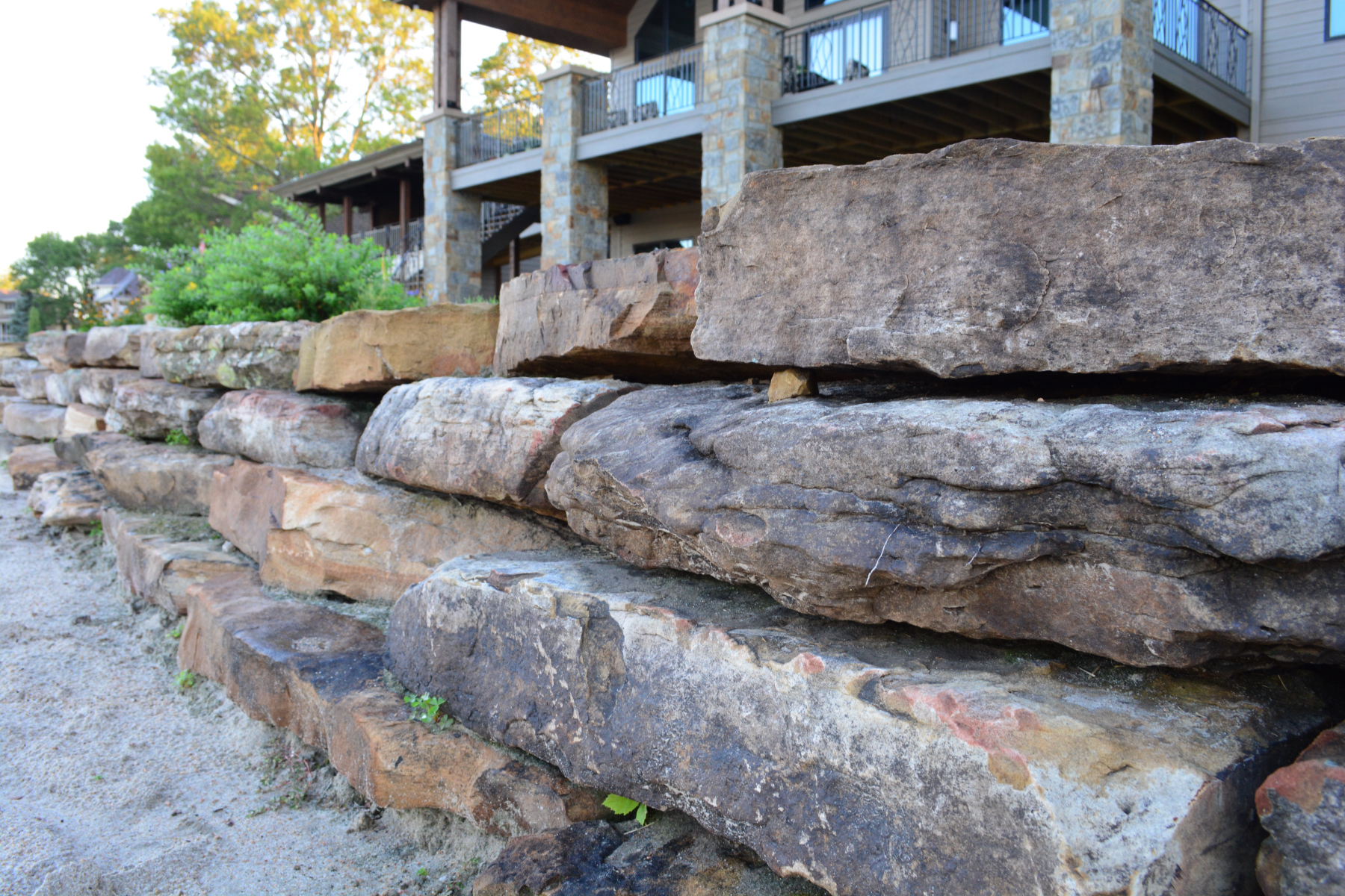 Moss-rock-retaining-wall-4