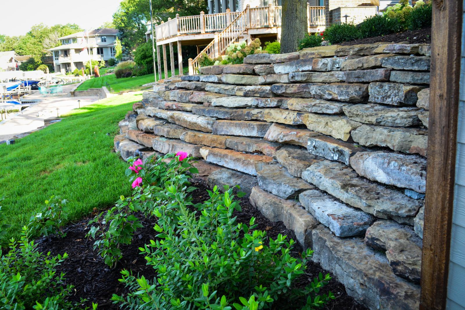 Moss-rock-retaining-wall-scott