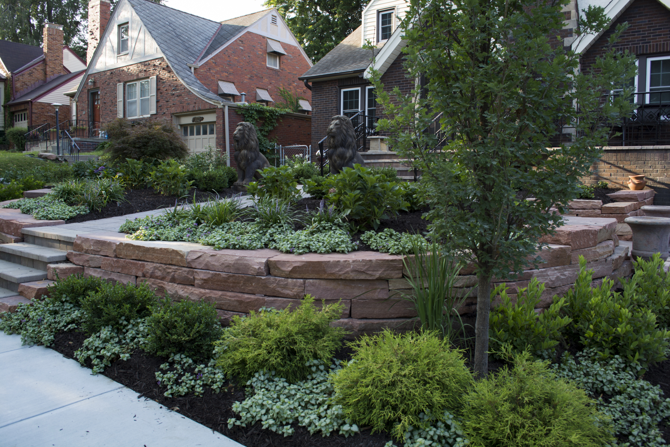 Natural-Stone-retaining-wall-and-plants-2-1