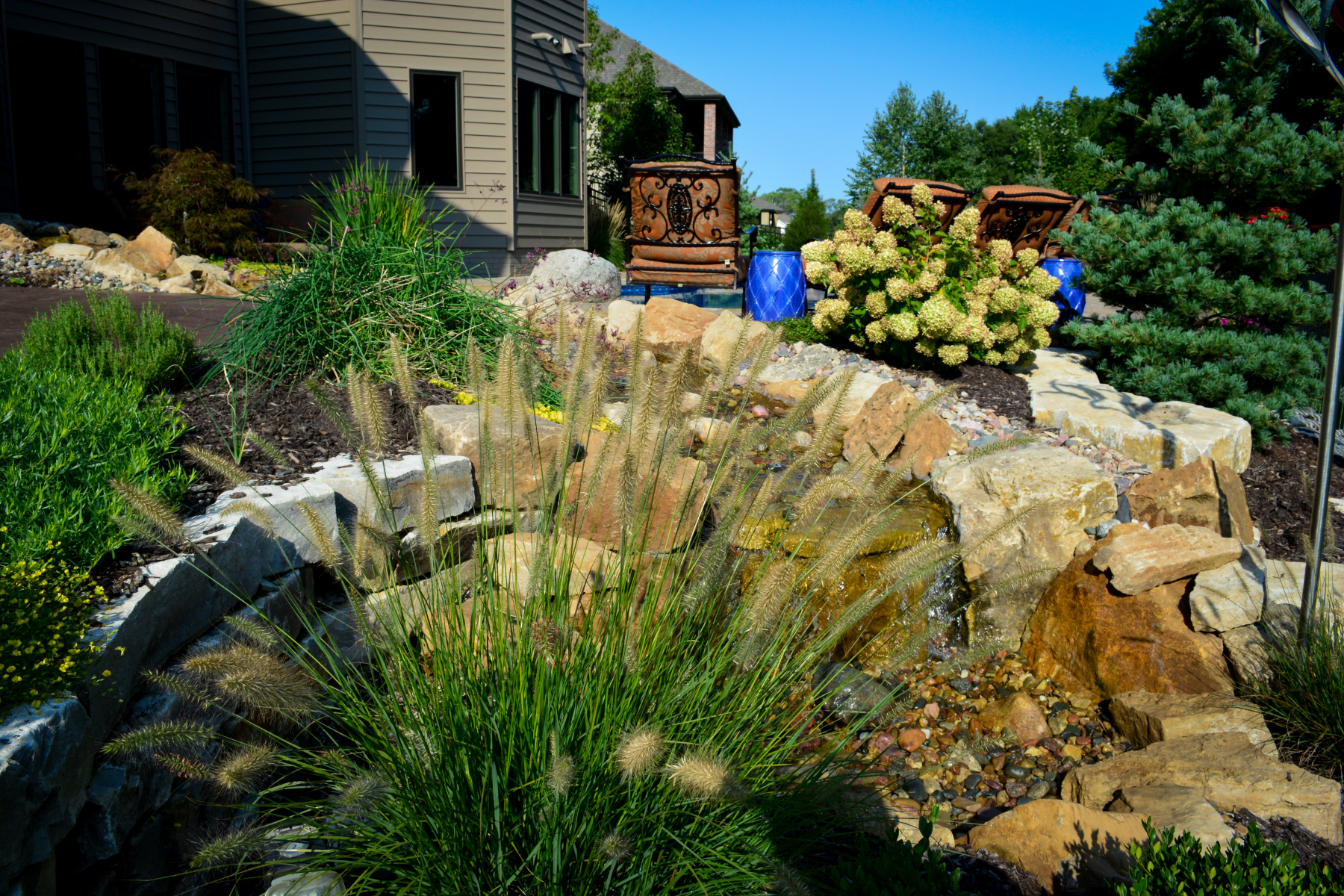 Planting-and-water-feature
