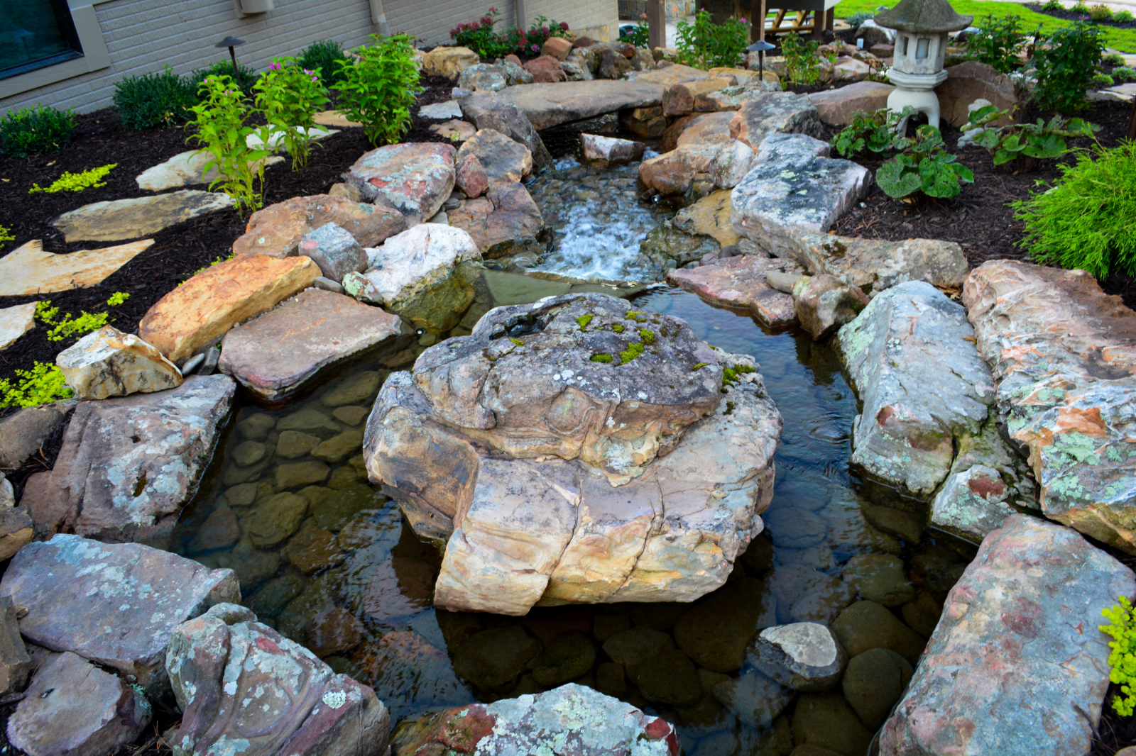 Water-Feature-main-rock-1
