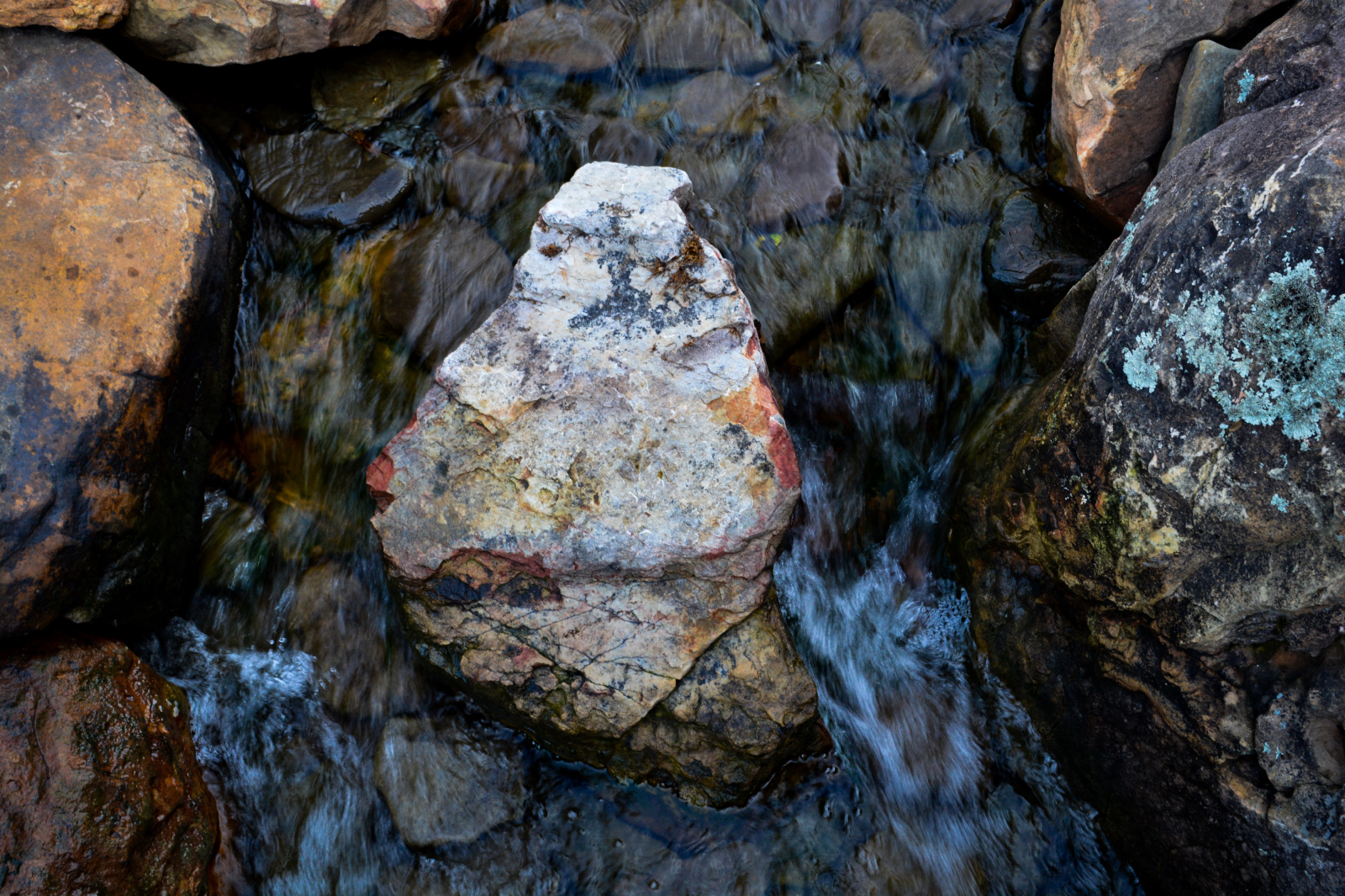 Water-feature-stone-1